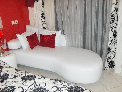 Meridiene marocain moderne pour les chambre a coucher for Photo chambre a coucher marocaine